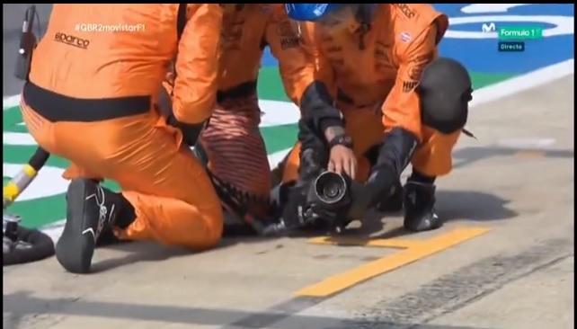 Tercera pifia de McLaren con Sainz