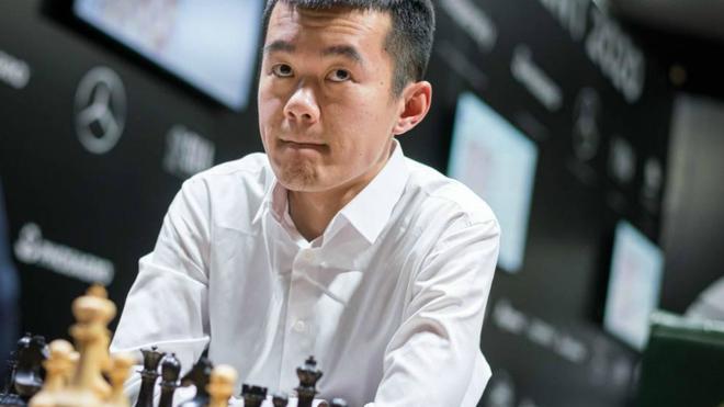 Liren Ding durante una partida.