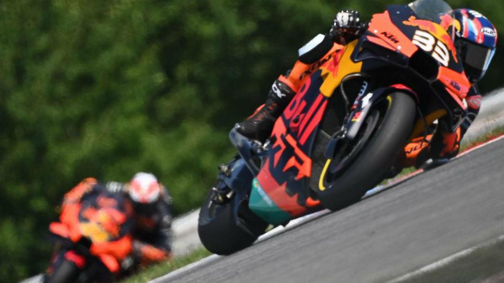 Binder y Espargaró, durante el pasado Gran Premio de República...