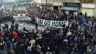 Concenración previa a un partido en Mestalla.