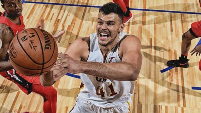 Ante Zizic, en un partido de los Cavaliers.