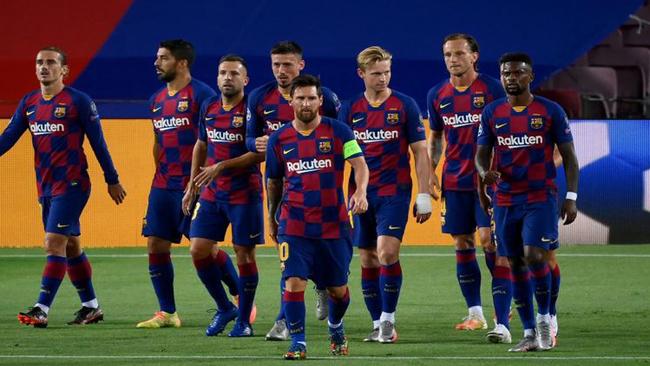 Messi y sus compañeros contra el Nápoles
