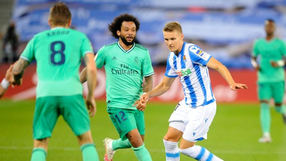 Odegaard, jugando contra el Real Madrid