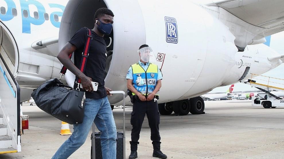 Thomas, a la llegada a Lisboa.