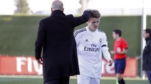 Odegaard es sustituido por Zidane en un partido con el Castilla