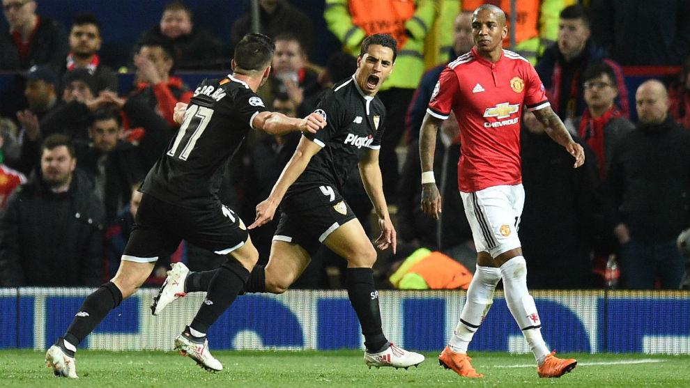 Ben Yedder (29) celebra un gol ante el Manchester United en la...