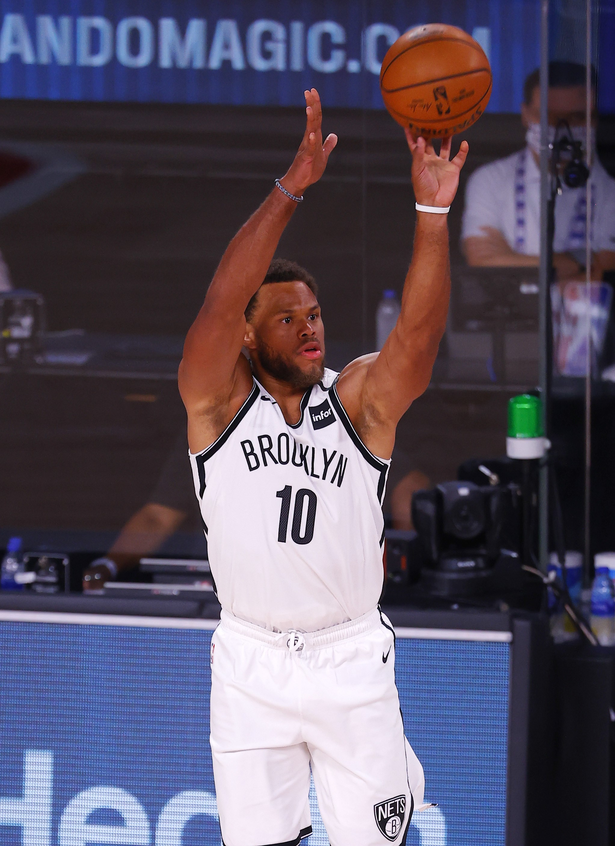 Justin Anderson jugando con los Brooklyn Nets en la burbuja de Orlando
