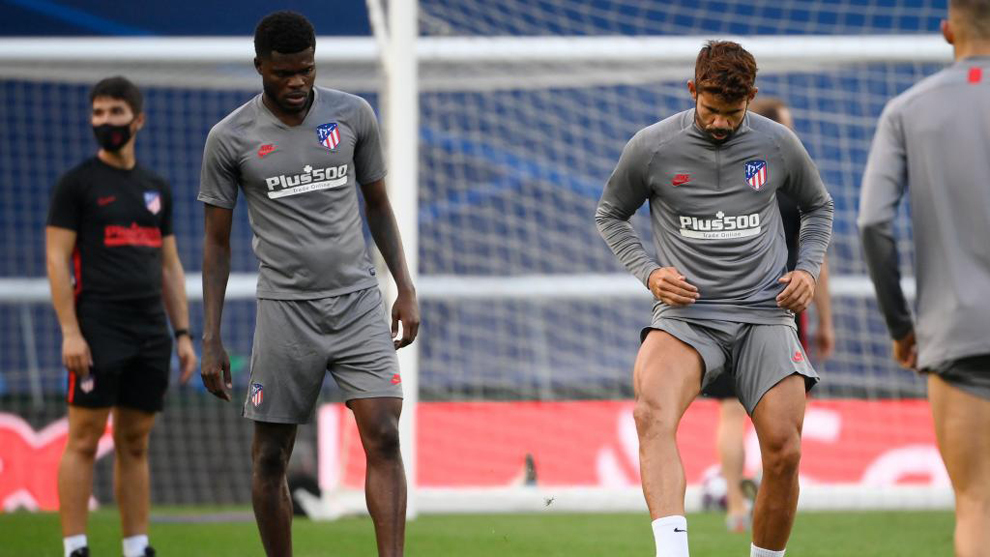 Thomas trains on the eve of Atletico Madrid's quarter-final