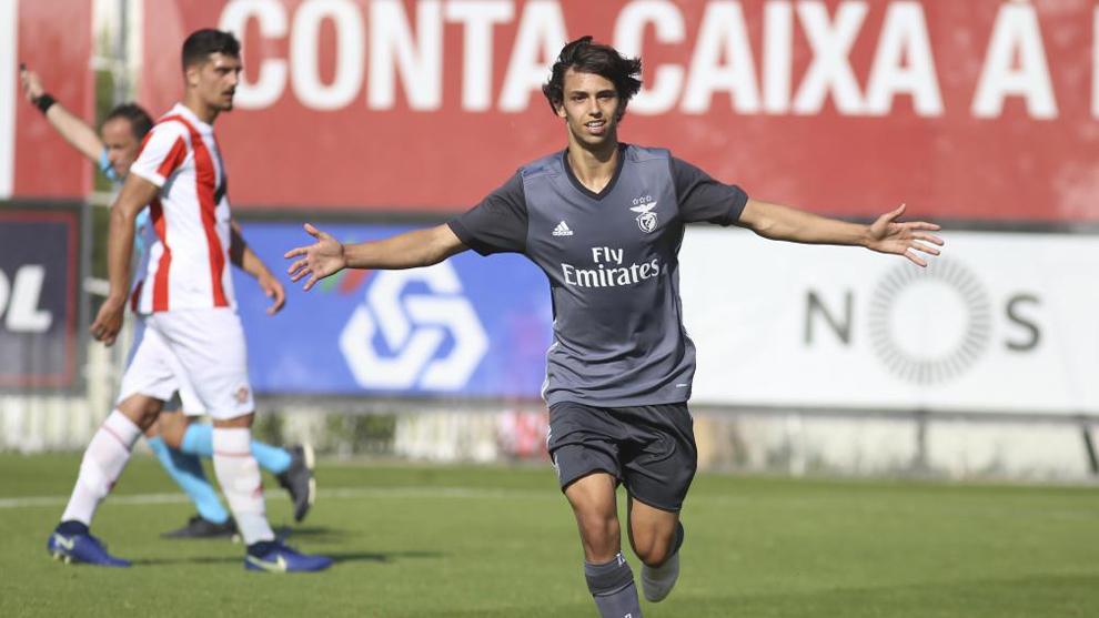 Joao celebra un gol durante su etapa en las categorías inferiores del...