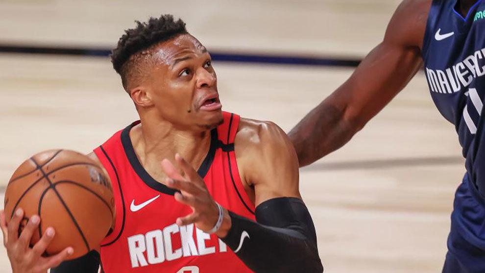 Los Rockets dudan de si Russell Westbrook podrá comenzar los playoff