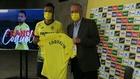 Coquelin, junto a Fernando Roig, en la presentación como jugador del...