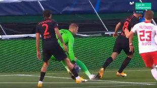 """""""El contacto con Saúl no es suficiente para señalar penalti"""""""