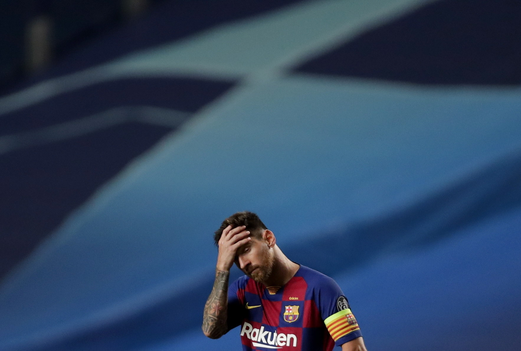 Lisbon (Portugal), 14/08/2020.- Lionel Messi of Barcelona reacts during the UEFA Champions League quarter final match between Barcelona and lt;HIT gt;Bayern lt;/HIT gt; Munich in Lisbon, Portugal, 14 August 2020. (Liga de Campeones, Lisboa) EFE/EPA/Manu Fernandez / POOL