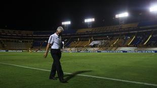 Tuca Ferretti con cambios de emergencia ante Toluca.