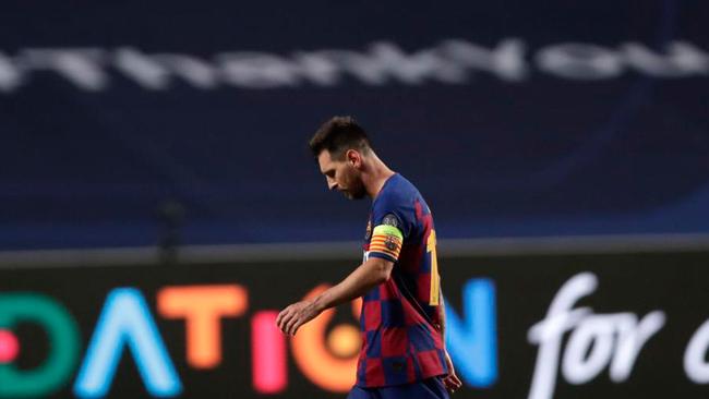 Messi, cabizbajo en Lisboa.