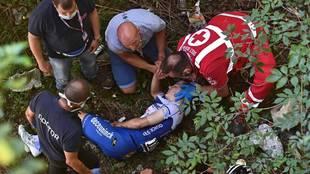 Remco Evenepoel se cae al vacío en el Giro de Lombardía