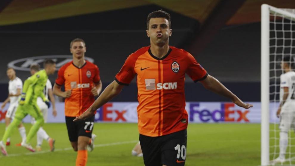 Junior Moraes celebrando el tanto que marcó al Basilea en el partido...