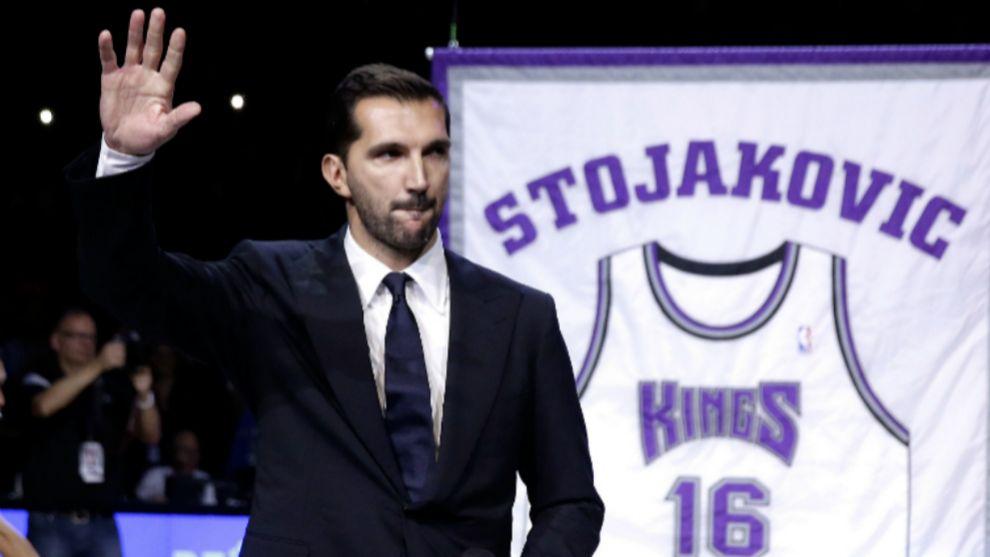 Peja Stojakovic deja también su puesto y marca el fin de una era en los Kings