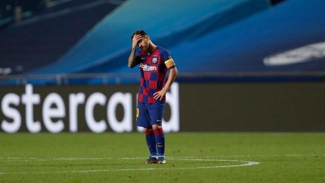 Messi, abatido en el partido ante el Bayern.