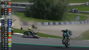 Rossi se salvó por centímetros