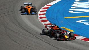 Sainz persigue a Albon, al que superó finalmente en el GP de España.