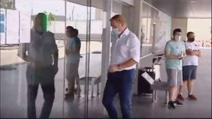 Koeman, cazado en el aeropuerto de Barcelona
