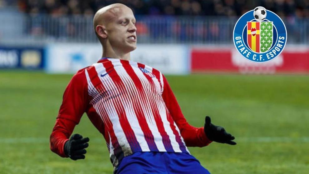 Víctor Mollejo celebra un gol con el Atlético en la Youth League