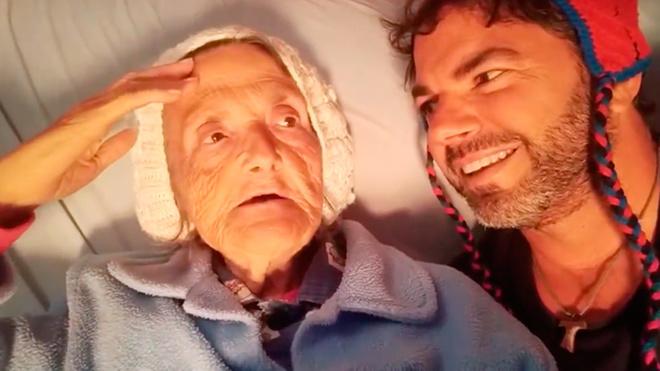 María Josefa Neto Cárave, más conocida como Tía Pepa, junto a su...