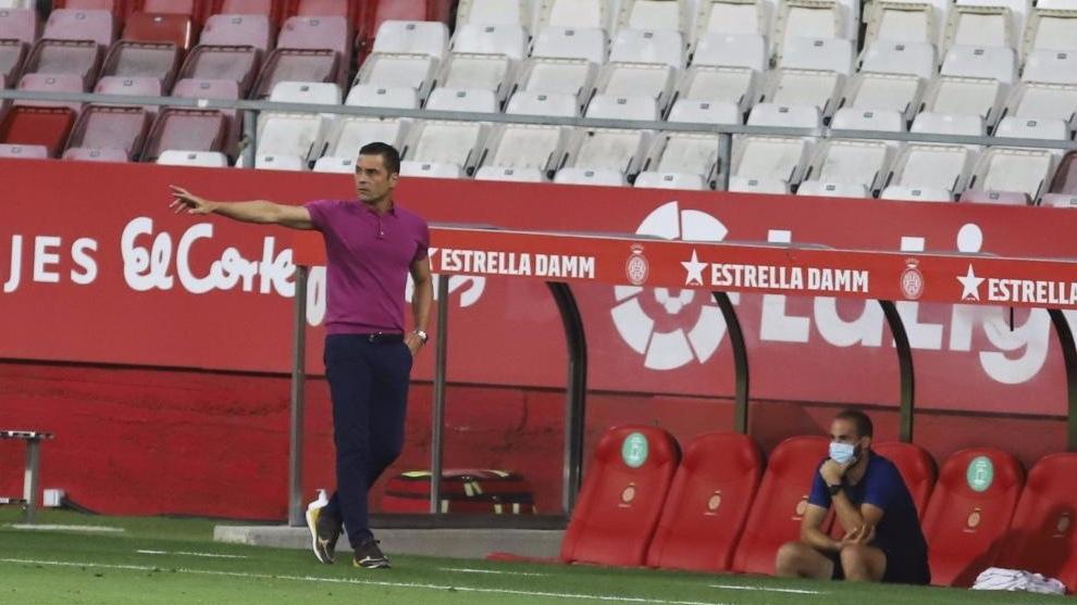 Arranca el partido en Girona