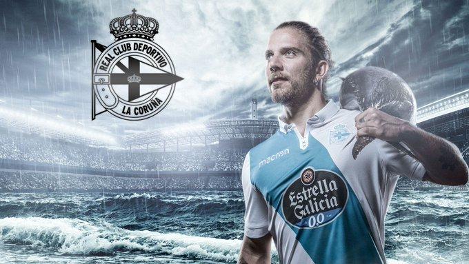 Diego Bello en una campaña publicitaria del Deportivo de la Coruña...