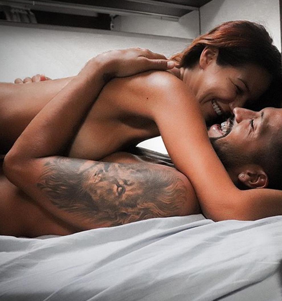 Tamara Gorro y Ezequiel Garay desnudos en la cama para celebrar su...