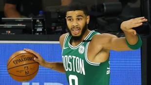 Jason Tatum, en un momento del segundo partido entre los Celtics y los...