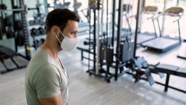 Gimnasios y nueva normalidad: mascarillas, ropa y pasos a seguir para evitar contagios