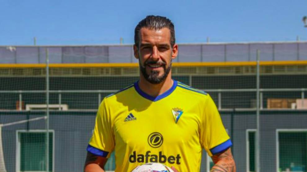 Álvaro Negredo, nuevo fichaje del Cádiz