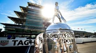 El trofeo Borg-Warner que acoge a los ganadores de las 500 Millas.