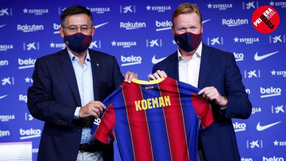 Bartomeu posa junto a Ronald Koeman durante la presentación del...