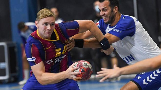 Palmarsson ante Marc García en la Supercopa de Catalunya, disputada...