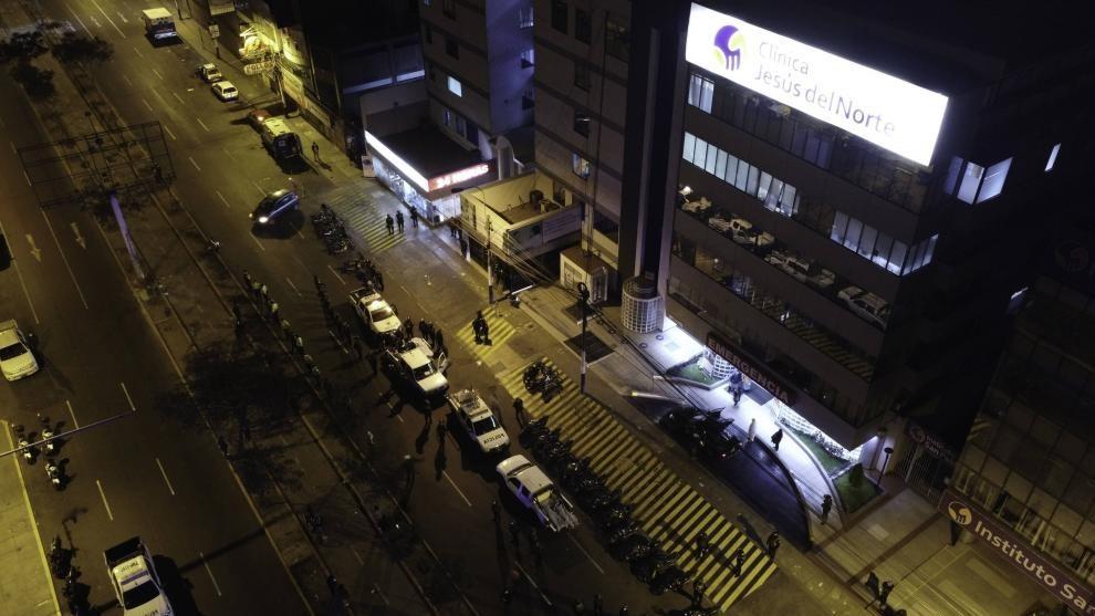 Trece muertos en Perú en el desalojo de una fiesta clandestina por la...