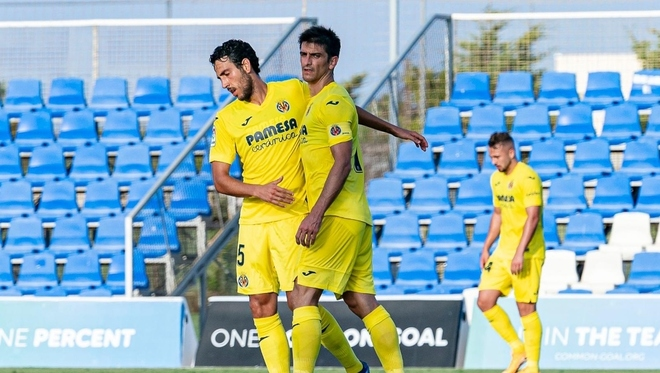 Parejo y Gerard Moreno celebran el segundo gol del Villarreal.