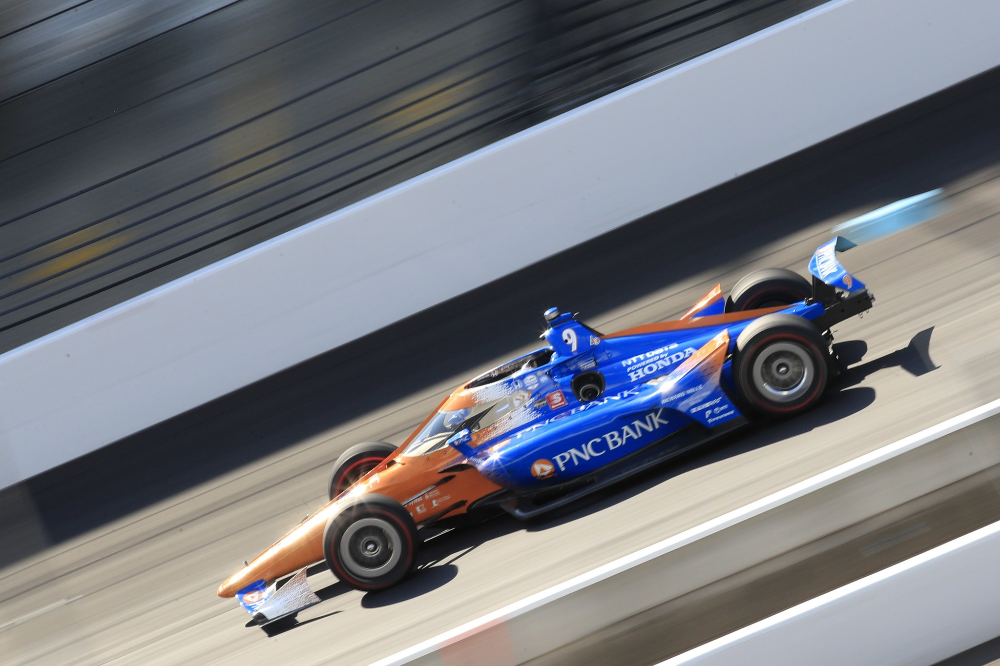 == FOR NEWSPAPERS, INTERNET, TELCOS    TELEVISION USE ONLY == INDIANAPOLIS, INDIANA - AUGUST 23: Scott Dixon, driver of the