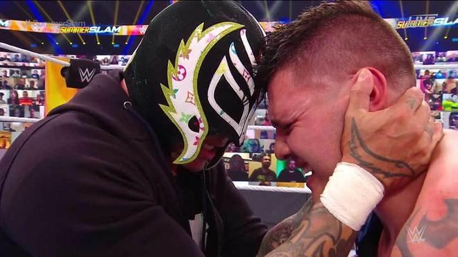 El hijo de Mysterio Jr. no tuvo el debut esperado.