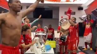 El Bayern celebra su sexta Champions... y Odriozola se hace viral por este gesto
