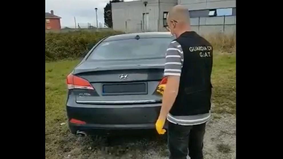 Digno de James Bond: detenido un conductor con un sistema de ocultación de matrículas
