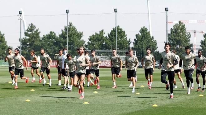 La plantilla del Madrid, en una sesi