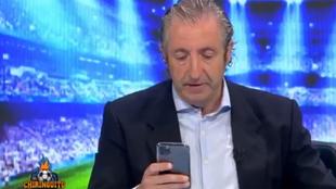 """Josep Pedrerol recibe un mensaje en directo: """"Me dicen que Messi se va al City"""""""