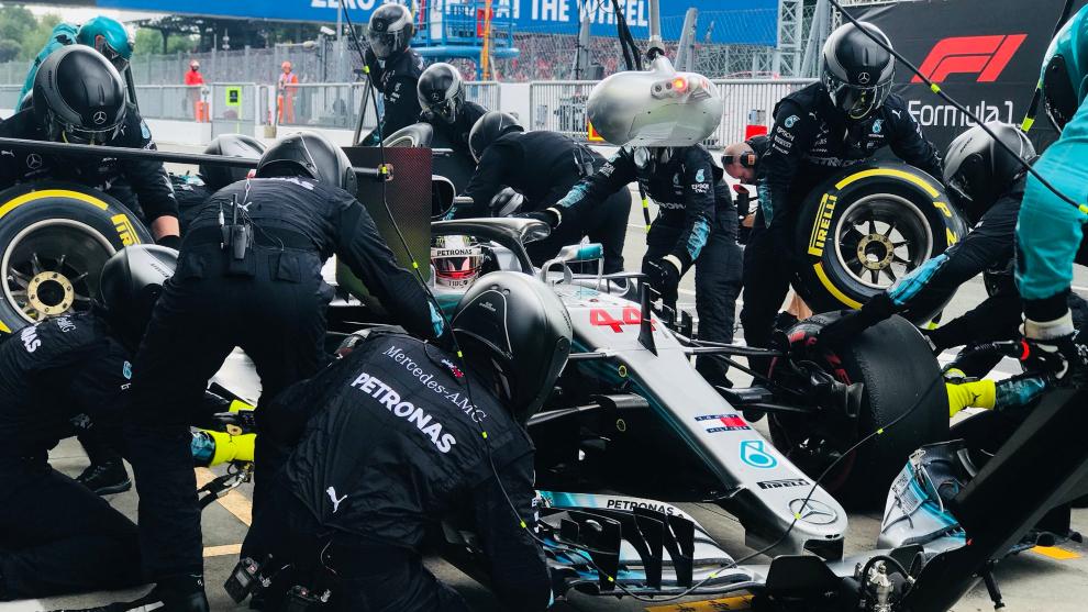 Box del equipo Mercedes.