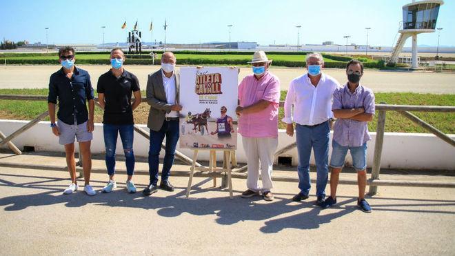 Toni Abadía, Higuero y Riera, con el resto de representantes de las...