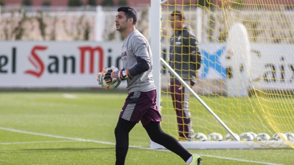 Andrés Fernández durante una sesión de entrenamiento con el...