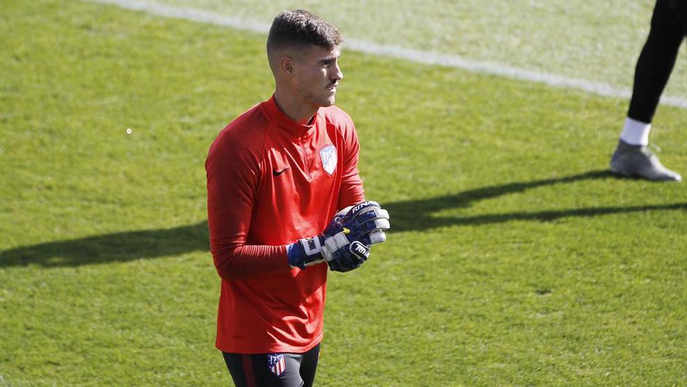 Diego Conde durante un entrenamiento con el Atlético.