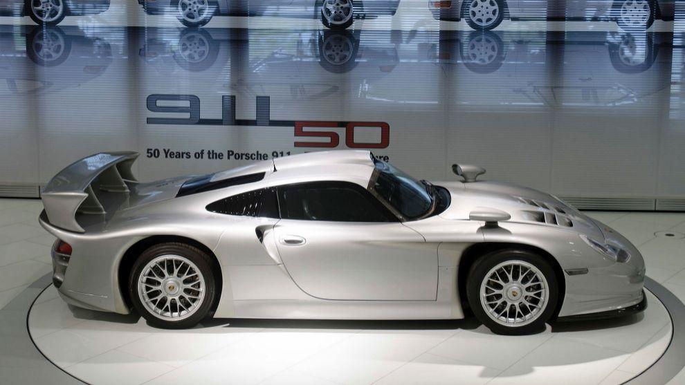 ¿El Porsche más caro de la historia? Un 911 GT1, a la venta por 12,3 millones